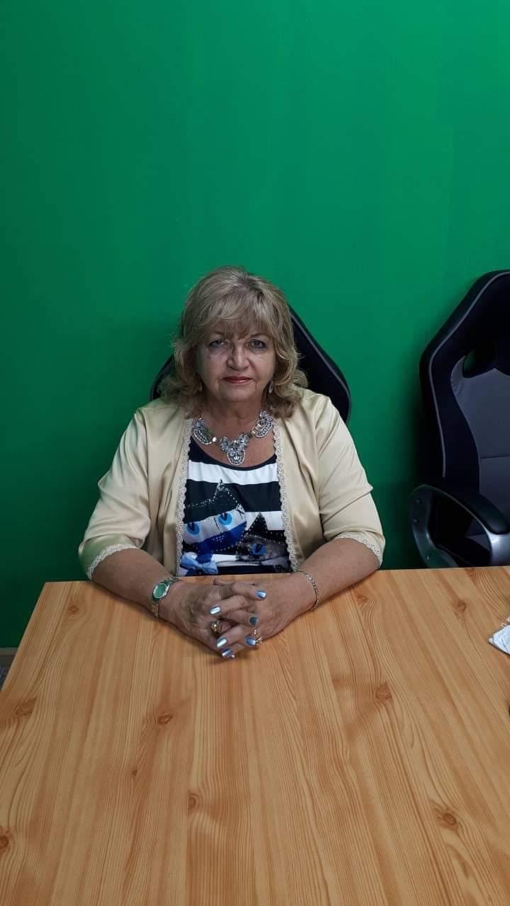 Zorica Matijević | Pozovi Astrologa - Prilikom tumačenja koristi brojne tarot špilove u zavisnosti od teme.